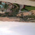 Vista de la zona de piscina y paisaje