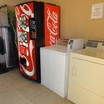 Laundry/vending