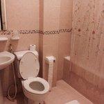 Rm 201 superior queen bathroom