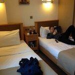 enkelrum två sängar