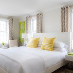 Urban style meets a Nantucket aesthetic at our Nantucket boutique hotel.
