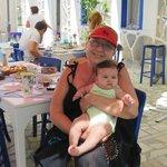Lila anneannesi ile Sade Bahcede...