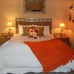 Summer Sun Cottage Bedroom - Sleeps 4