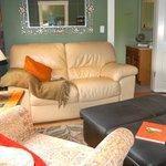 Fall Harvest Cottage Lounge