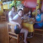 almorzando en Casa de Playa