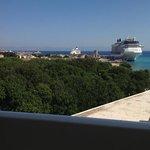 uitzicht op de haven en het oude dorp