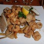 Жареные морепродукты с овощами