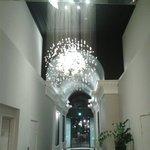 Lustre na entrada do Hotel