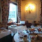Breakfast / dining room 4
