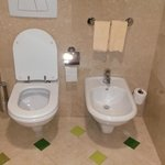 Toilette und Bidet - in jedem Bad in der Suite
