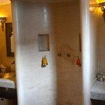 Bathroom Suite Kaid