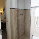 Shower in junior suite 601