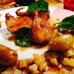 Magret de pigeon, cuit sous vide et à basse température, cuisse confite, mousse de céleri et cha