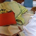 La manta de campamento que no cubre el frío