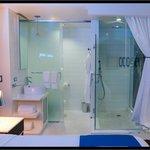 Le Bleu Bathroom