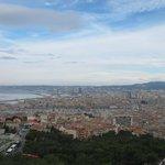 Вид сверху на старый порт и город