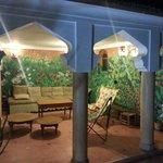 Terrasse et sa superbe fresque