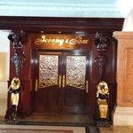Jonny's Bar