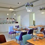 deli bluem's lounge