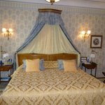Fit for a King … sized very comfortable bed with very posh sheets etc.