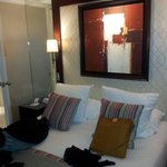 camera 604 carinissima calda e accogliente