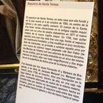 Placa explicativa em frente ao sepulcro de Santa Teresa!