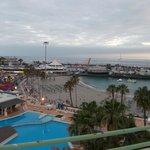 Plaża La Pinta i port jachtowy
