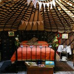 Chestnut Tree Yurt - Honeymoon decorations