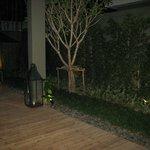 romantischr Kerzenschein nach dem dinner in der Villa