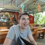 Na een lange tijd reizen eindelijk: Frikadel op het menu, :) !