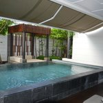 Garden-Pool-Suite