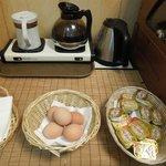 ゆで卵、暖か飲み物