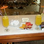 Welcome drinks and fruit.