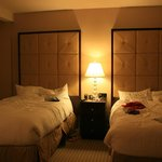 La zona letto nella stanza 705