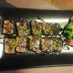 Tataki de atún con pistacho y reducción de PX