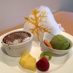 Pretty dessert that I think is specially decorated for Christmas period