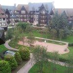 Вид на внутренний дворик отеля