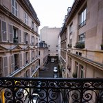 Небольшой балкон и вид из номера