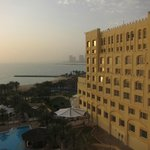 Well maintained hotel; sea view
