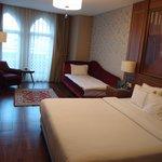 502, triple room