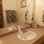 Single Queen Bathroom