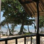 Ausblick vom Bungalow zum Meer bei Flut