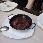 Geschmorte spanische Chorizo (PaprikaSalami) in Rioja-Rotweinsauce - LECKER!