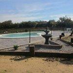 piscina y zona de relax con sauna