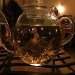 Aufblühtee - sehr spannend -vom Teeknäuel zur Blume