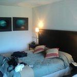 habitaciones chicas con muebles deteriorados