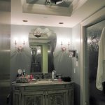 bathroom has sep tub/shower