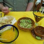 fresh mango margaritas and fresh made guacamole