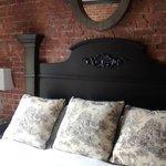 Cama king size muito confortável, quartos grandes