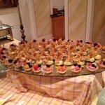 More dessert buffet...